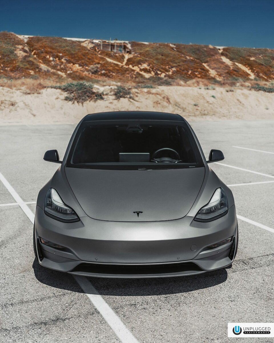 Matte-Gray-Uplugged-Performance-Tesla-Model-3-Ascension-Image-18-960x1200.jpg