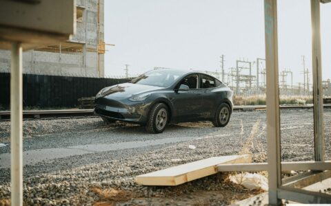 Midnight Silver Metallic Tesla Model Y - Dirt And Snow Offroad Package